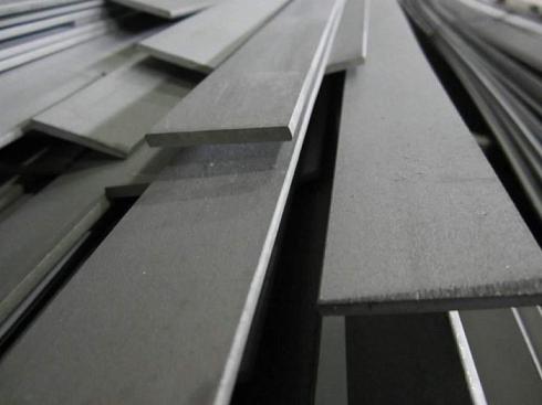 Полоса стальная горячекатаная 40 X 4 купить в СПб по выгодной цене за тонну и метр оптом и в розницу